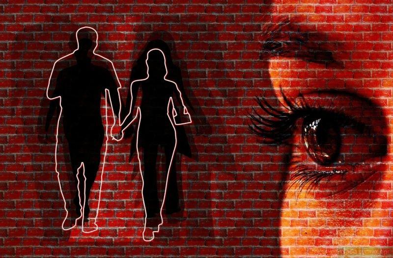 Ревность без оснований обидит мужа