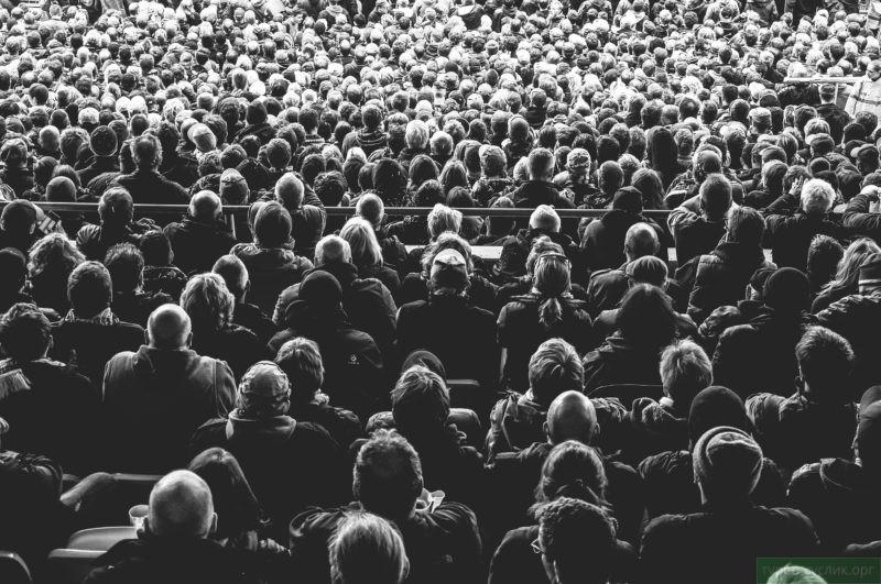 Настойчивость поможет выступить перед публикой